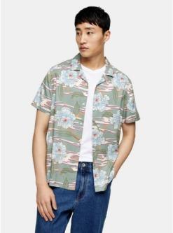 hemd mit reverskragen und hawaii print jadegruen gruen